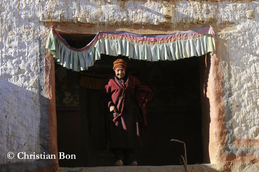 Nonne du monastère de Pishu