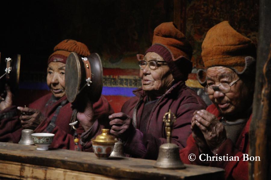 Nonnes du monastère de Pishu